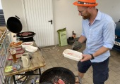 Aber auch beim Grillen hilft ein dash.bar Hut - WebStollen Sommerfest