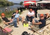 dash.bar Hut hilft auch in der Strandbar Regensburg, unweit des Büros